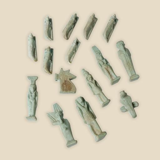 set of amulets x 15