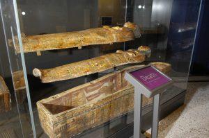 Hor-em-ken-iset coffin